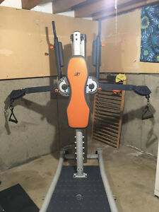 Cable Crossover/Lat Pulldown/Leg extension machine - Available