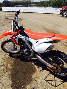2014 Honda CRF 450r dirt bike