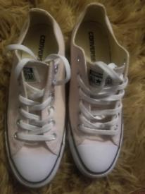 Pink Converse size 7 (Battersea)