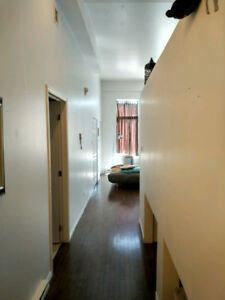 PIE IX BLVD loft,high ceiling,645ft2, rent negotiable