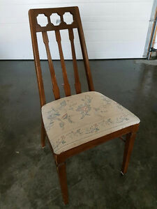 4 vintage dining room chairs, needs refinishing