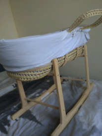 Moses basket with stand and dressings