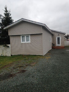 Price Reduction! Bright and spacious home in Goulds!