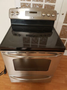 G E. PROFILE STAINLESS STEEL KITCHEN OVEN FOR SALE***