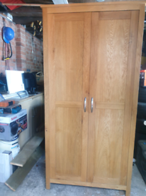 Oak wardrobe single good clean and in good condition