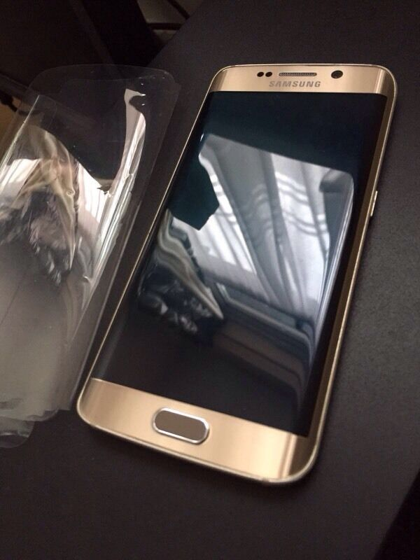 Samsung Galaxy s6 edge unlockin Leicester, LeicestershireGumtree - Samsung Galaxy s6 edge 32gb unlockGold colorFew sign of usage on sides Open to all networkWith box