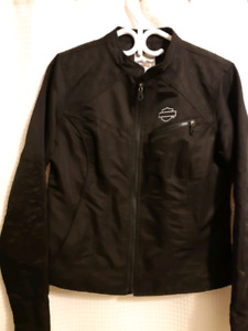 Ladies Harley Davidson jacket size medium.