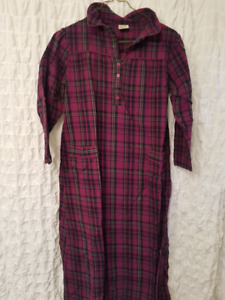 Cabelas flannel nightgown, S