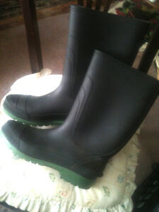 Mens Rain Boots - Size 12 - Nearly New