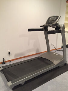 ***VISION FITNESS T9200 HEAVY DUTY TREADMILL***