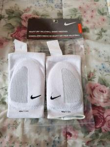 Nike Fit-Dry Skinny Knee Pads