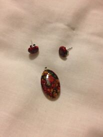 Jewellery set (earrings and pendant, silver & gemstone)