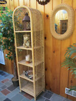 Moving - Wicker Display Stand and Mirror
