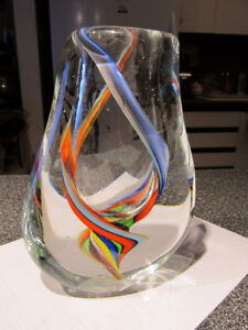 Glass art. Heavy modern look glass vase - new.