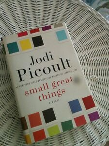 Hardcover - Jodi Picoult - Small Great Things. 2016