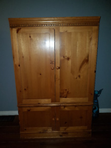 Solid 2-part wall unit
