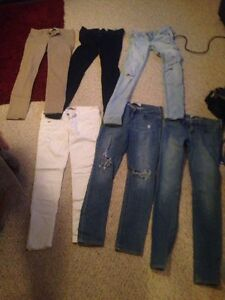 LOT OF HOLLISTER JEANS SIZE 3