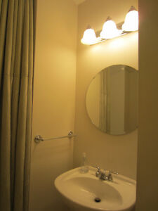 Furnished 1bed & den,1 bath, short term, available North Shore Greater Vancouver Area image 8