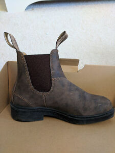 Women's Blundstone AUS/UK Size 3 or US Size 5