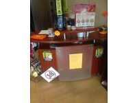 Salon/shop counter