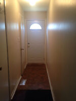 One bedroom Apartment on Main Floor - Airport/Derry
