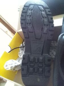 Terra Safety Boots - brand new Kitchener / Waterloo Kitchener Area image 3