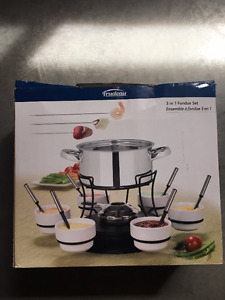 NEW in box Fondue set.