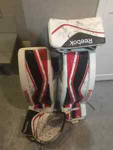 Youth goalie equipment London Ontario image 1