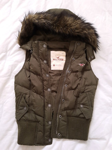 Hollister down vest -M- army green *never worn*