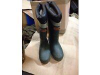 Sundridge hot foot boots very good condition fishing