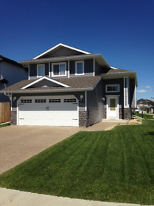 NEWER HOME IN CAMROSE FOR RENT