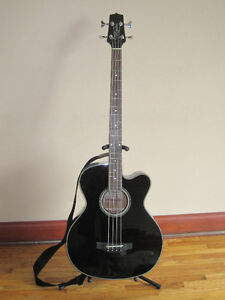 Takamine acoustic / electric Bass guitar Cambridge Kitchener Area image 1
