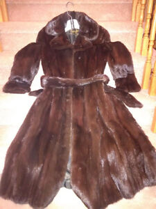 Renfrew Fur - Black Mink - Ladies Coat - BEST OFFER - ESTATE Cambridge Kitchener Area image 1