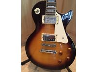 Les Paul (epiphone) with hard case and amp