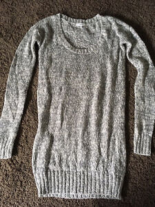 Aritzia -Talula Sweater - brand new