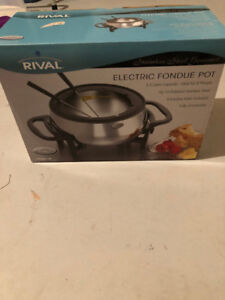 Electric Fondue Pot with Forks