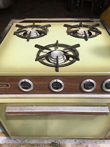 Trav'ler Propane Stove with Oven: Pending Delivery