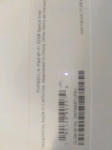 IPAD 32GB SPACE GRAY factory sealed