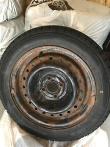4 pneus d'hiver Dunlop 195/55 R15 85Q