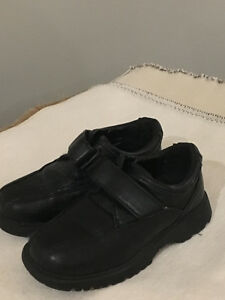 Like New! Boys Dress shoes Blk Size 10