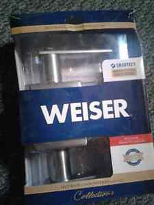 Collection WEISER smart lock and keys