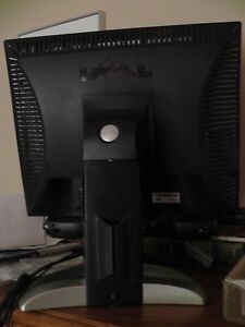 Dell monitor with attached speaker model 1905 FP Cornwall Ontario image 2