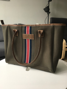 Tommy Hilfiger spacious bag