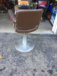 Barber chair Oakville / Halton Region Toronto (GTA) image 2