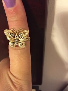 Butterfly Diamond Ring yellow gold