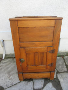Authentic Antique (c1900) Oak Ice Box- Refinished Condition!