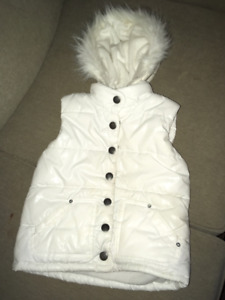 Children's Place Puffy Winter Vest  - xs (4T)
