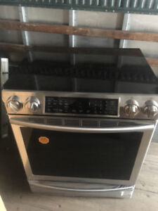 Samsung Induction Range with Virtual Flame Technology 5.8cu.ft