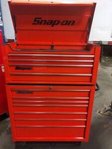 cofrre d'outils snap-on de couleur orange electrique.