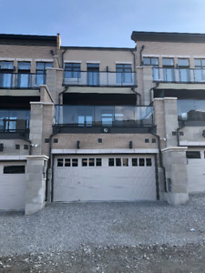 Townhouse for Rent in Thornhill